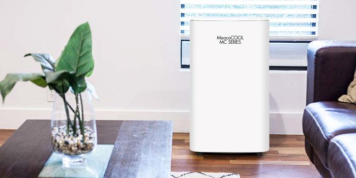 Klimatyzator mobilny MC14000CH w salonie